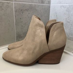 Lucky Brand Women's Lezzlee Ankle Boot - Size 9.5